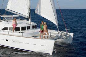 Sailing Catamaran Lagoon 380