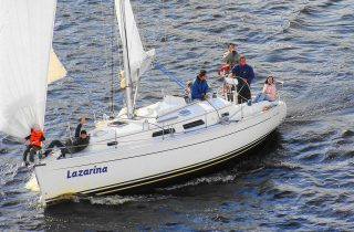 Яхта Lazarina