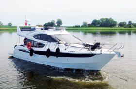 Motorjahta FLY 42